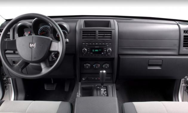 2018 Dodge Nitro Interior 1