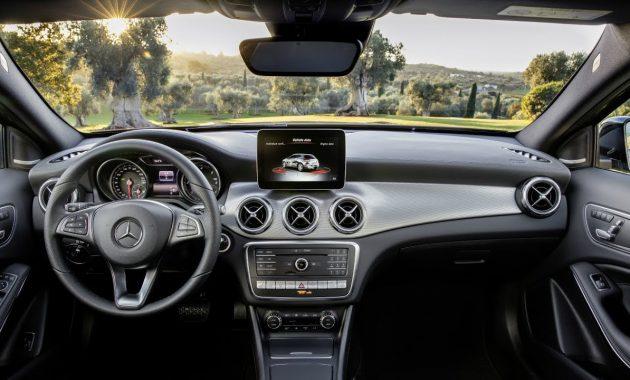 2018 Mercedes-Benz GLA-Class interior