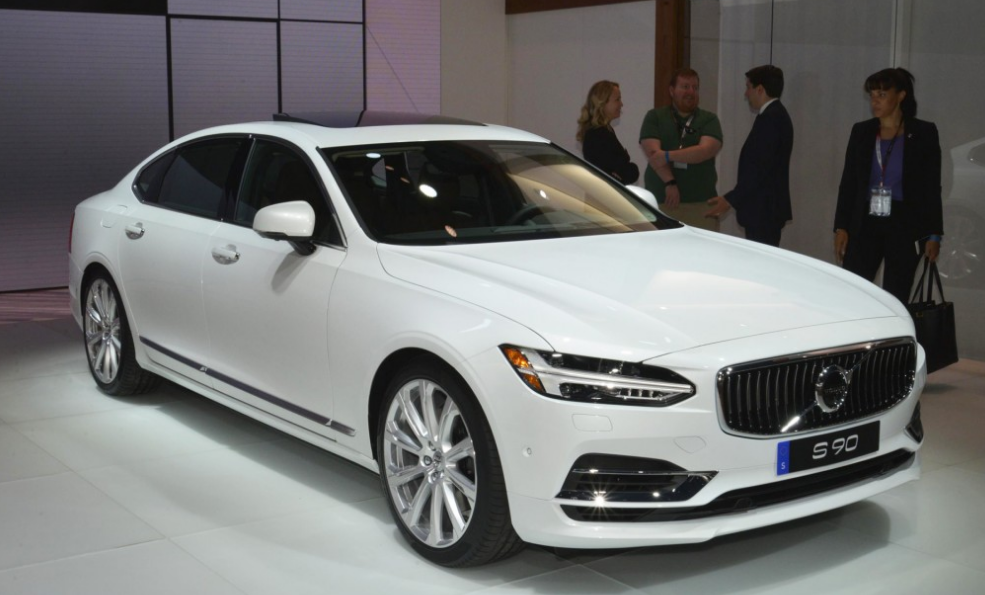 2018 Volvo S90 Review and Price